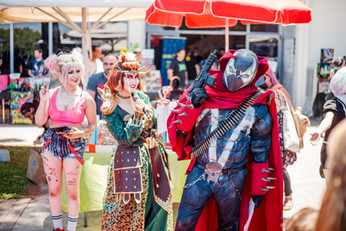 ComicsCon out side-small-143.jpg