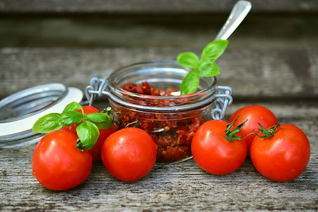 tomatoes-2500784_1920.jpg
