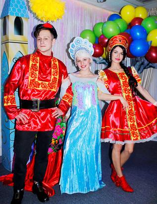 Василиса, Иван и Снежная королева