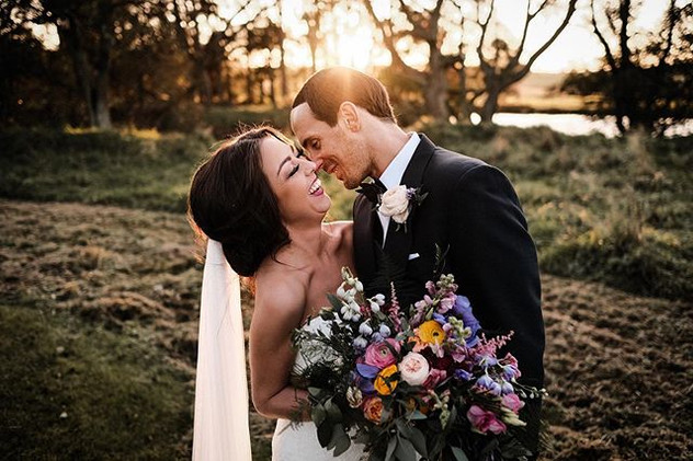 The I just got married giggles 🖤 Winter