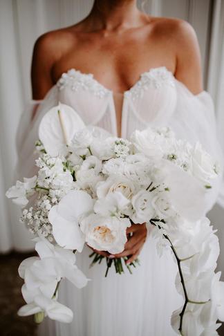 All white modern bouquet
