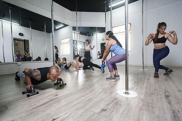Acondicionamiento Fisico, Pole Dance, Cambre Studio, Pole Sport, Ñuñoa, Santiago, Chile