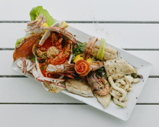 Trapezi_seafoodplatter_550x440