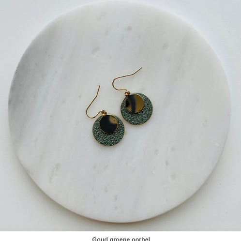 oorbellen goud, groen
