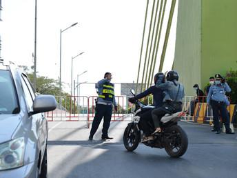 封鎖マンションから「逃亡」、8人と運転手をコッコンで拘束(3月2日)