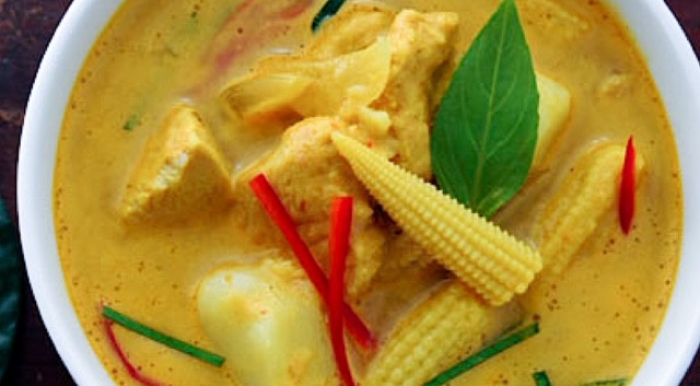 yellow curry HRez.JPG