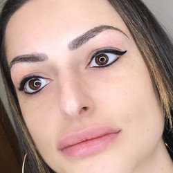 Top & Bottom Eyeliner With Wing