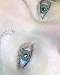 Bottom Eyeliner