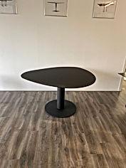 uitverkoop tafel zwart