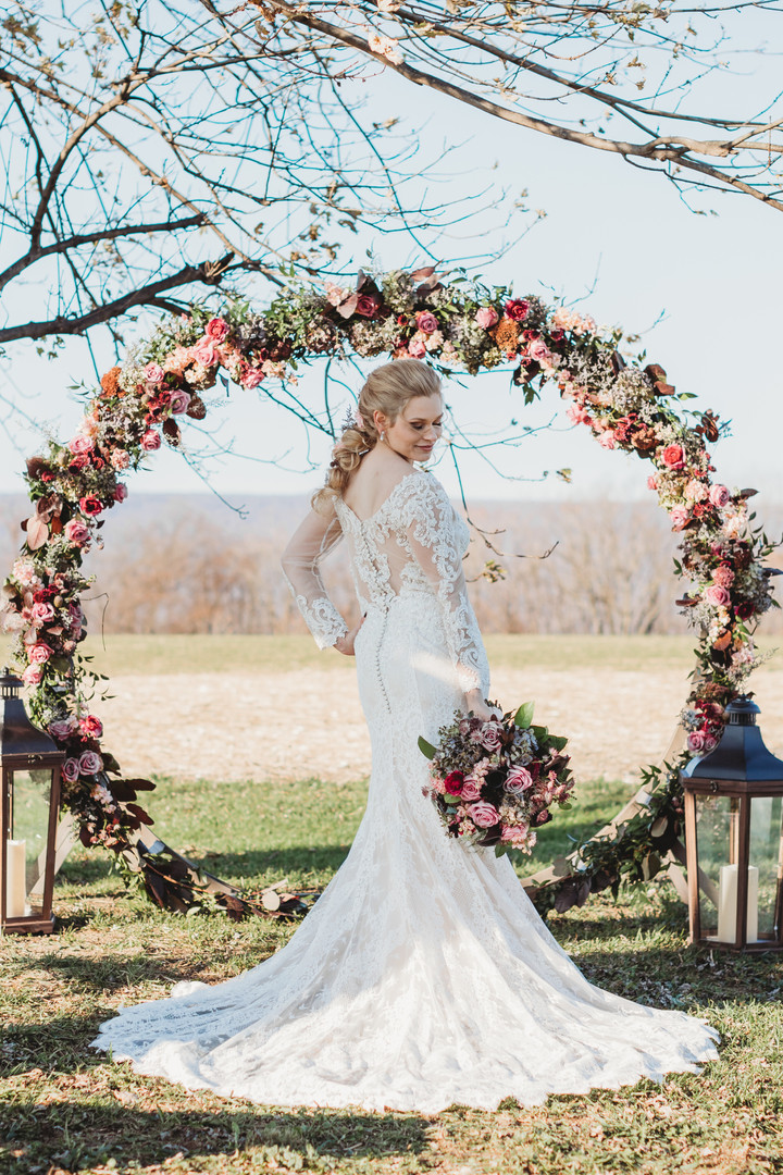 HR Styled Shoot Arbor with Bouquet.jpg