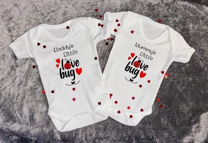 Mummy's/daddy's little love bug baby valentines vest/bodysuit