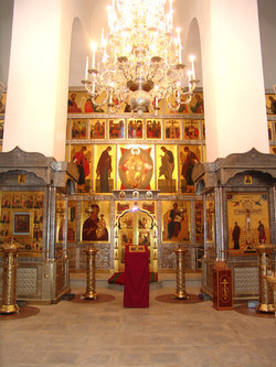 Интерьер Никольского храма.