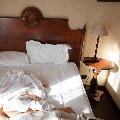 Hotelbett in Paris