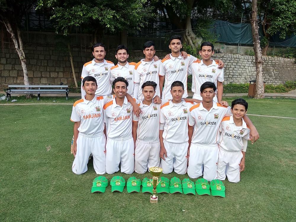 Group photo U17 Tigers Champions Premier League