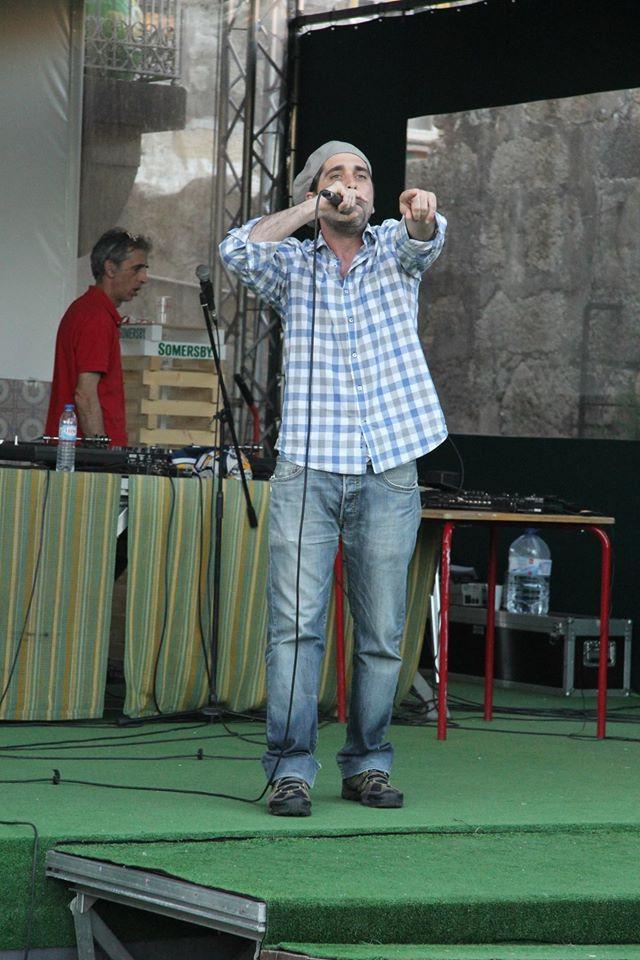 Programa- Palco Livre  10h30 - Aula Aberta Tai chi : Aníbal Rodrigues  12h00 - Aula de Demonstração : Passes Mágicos  14h30 - Danças Lagarteiro e o Mundo : Diana Azevedo  15h00 - Dança hip-hop Suburb Crew  15h30 - B13 – Banda de Rap do Lagarteiro  16h00 - 17h00 Workhop Danças do Mundo – Jorge Anjomar  17h00 - 18h00 - Aula de Yoga - Sónia Monteiro  18h00 - KO Veterano- Projeto de Hip-Hop  18H30 - Oxalá  19h00 - 19h30