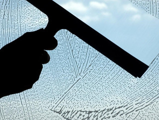 How to Wash Windows Like a Pro