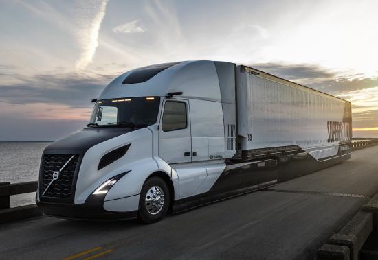 trucking pic 02.jpg