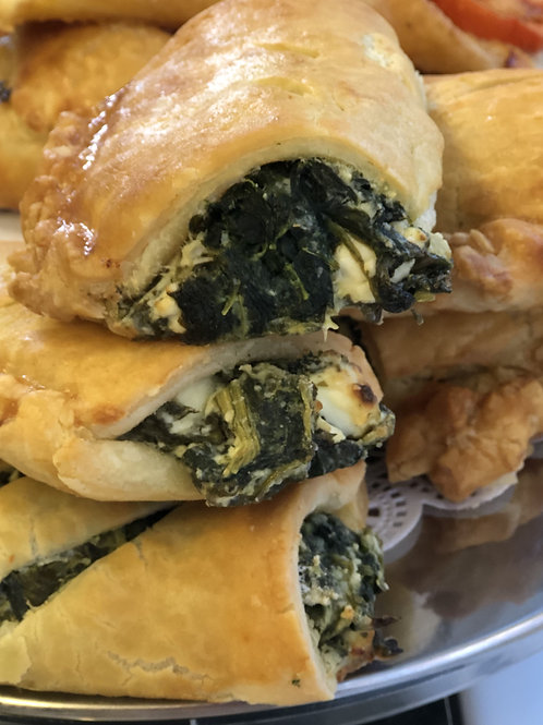 Spinach, Feta Cheese and Garlic Pastry Roll