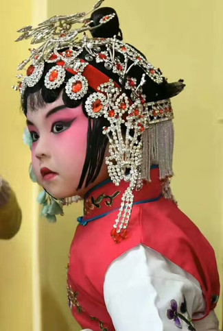 中 国 - 中国龙珠少儿京剧社