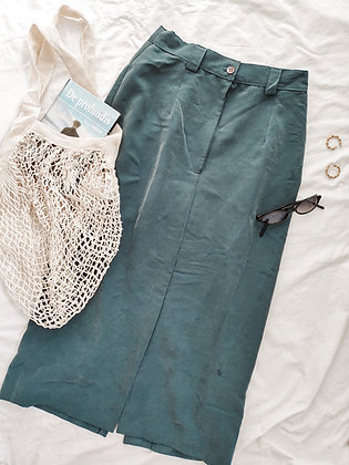 Late summer 🌿 Midi skirt