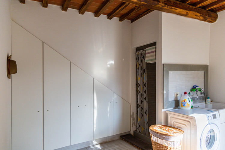 Utility room with shower