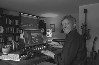 Ralf Meyer-Natus | composer & producer, audio branding, music for films, TV & videos, royalty free music