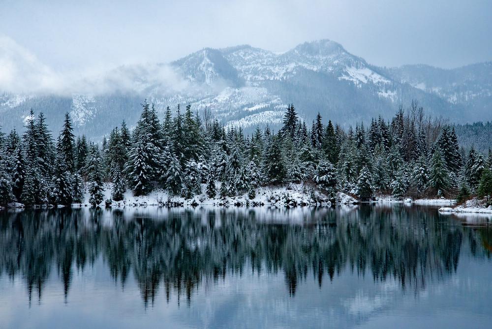 Peaceful winter morning near Snoqualmie Pass in Washington.