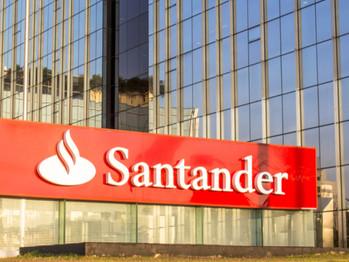 Santander assina acordo de teletrabalho na Espanha, mas recusa-se a negociar no Brasil