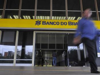 Bancos privados defendem apoio da Febraban à democracia e BB e Caixa rompem com a instituição