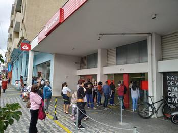 Santander atende pedido do sindicato e manda funcionárias para ajudar no atendimento em Votorantim