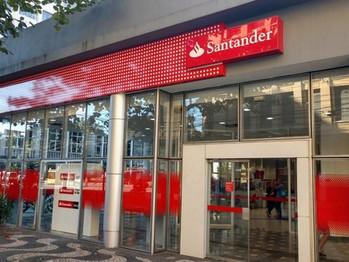 Santander Brasil tem lucro de R$ 3,8 bilhões no 3º trimestre