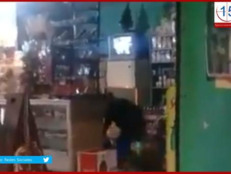 A puñaladas mujer asesina a su padrastro en Acatzingo