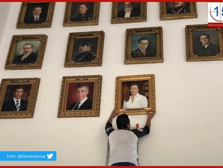 Colocan retrato de Martha Erika en la sala de gobernadores de Puebla