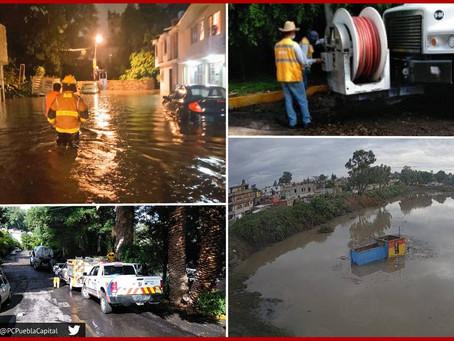 Inundaciones y alarma dejan lluvias de fin de semana en Puebla capital