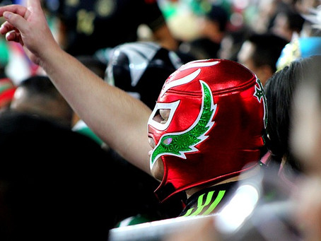 La máscara, parte de la cultura del mexicano, opina escritor Diego Mejía