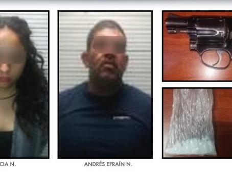 Cae pareja de presuntos narcomenudistas que operaban en Acajete