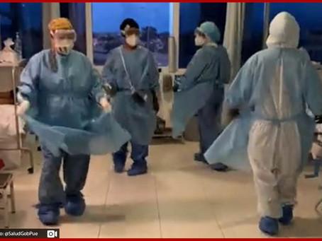 Con Jarabe Tapatío enfermeras llevan fiestas patrias a enfermos de Covid-19