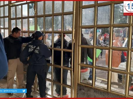 Toman mototaxistas comandancia en Xoxtla; acusan hostigamiento