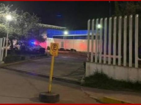 Comando ingresa por presunto reo al hospital de Zacatlán