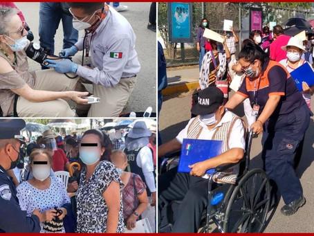 Caos predomina en primer día de vacunación en Puebla capital