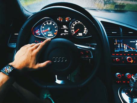 Implementa Audi paros técnicos por desabasto de semiconductores