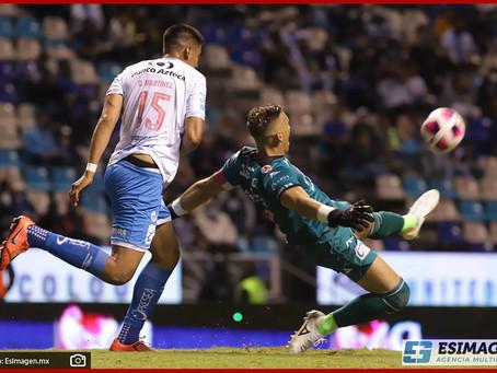Pelea Puebla por la liguilla tras derrotar 2-0 a Mazatlán