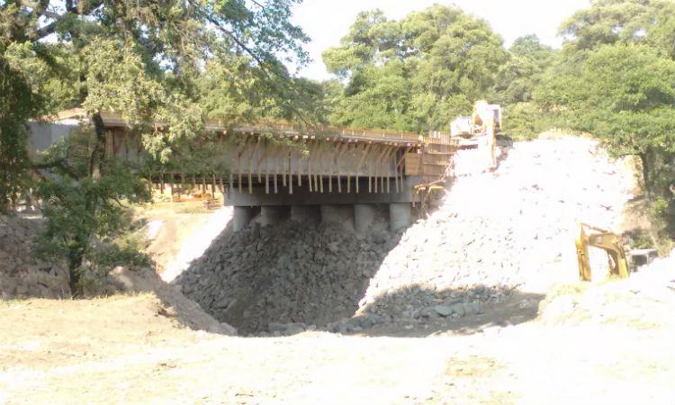 Avanza construcción del puente sobre barranca del muerto / Foto: Quinceminutos.mx