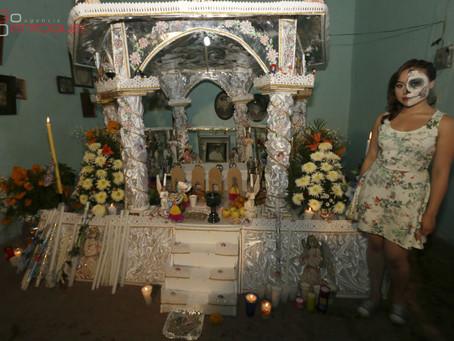 Huaquechula recibe 100 mil visitantes por altares monumentales