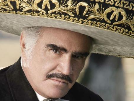 Vicente Fernández apoya a Hillary Clinton en un corrido