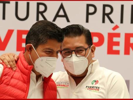 Presenta PRI a Eduardo Rivera como su candidato en Puebla