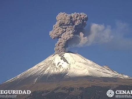 Popocatépetl registra explosión con fumarola de 1.2 km