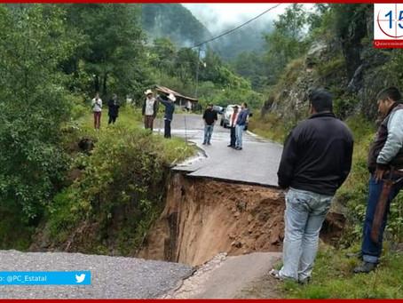 Lluvias cortan carreteras en Tulcingo de Valle y Tetela de Ocampo