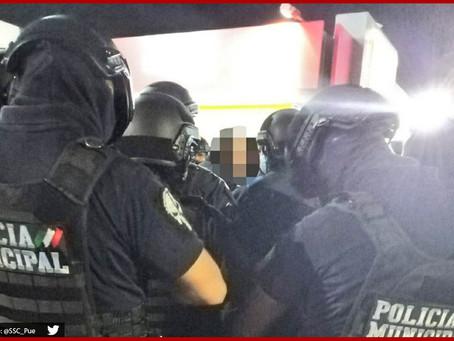 Rescatan de linchamiento a dos presuntos ladrones en Totimehuacan