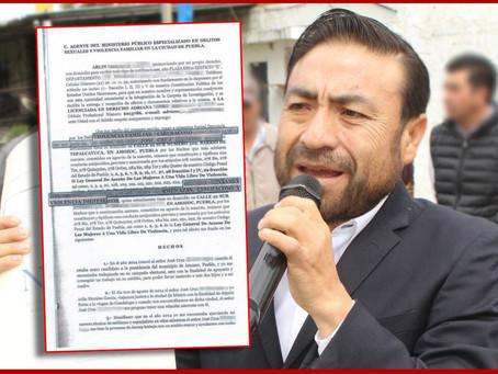 Exnovia denuncia a candidato de Amozoc y balean su casa